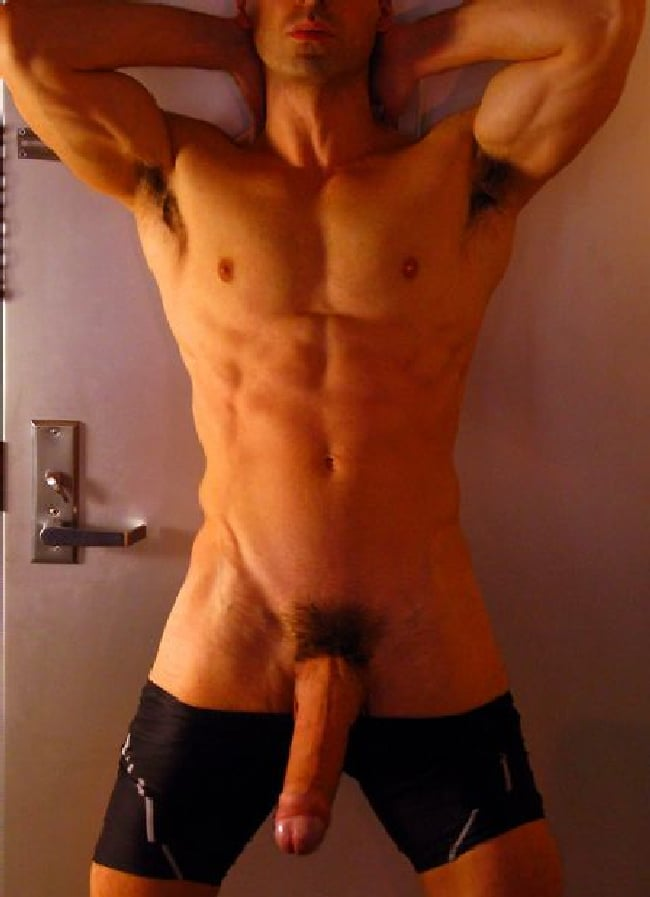 Muscly Guy Tugging Cock