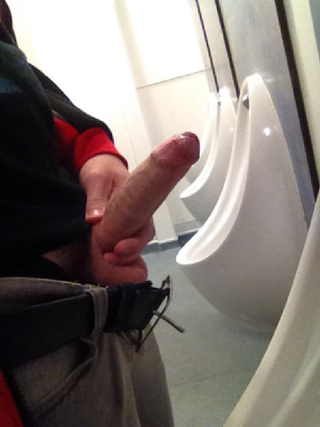 Man on the toilet nude — pic 2
